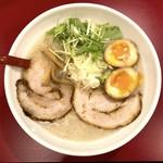 ミサト - 料理写真:塩味玉(850円)+大盛(100円)濃いめ、多め