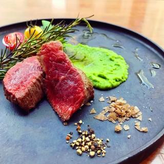 ≪お肉料理≫北海道産まぼろしの黒毛和牛「あべ牛」をご堪能!