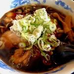 らーめん・炭火焼・おでん 麺蔵 - 料理写真:めん八に近いかなぁ・・・ 伝統的なブラックだが僅かに逸れてるかも
