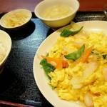 中国家常菜 祥龍房 - エビと玉子の塩炒め定食     ¥780