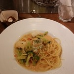 イタリアン居酒屋 イタサカマルシェ - いかとブロッコリーのうにクリームパスタ