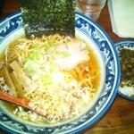 92324995 - 味丸ラーメンと高菜ご飯セット 850円(税込)(2018年8月30日撮影)