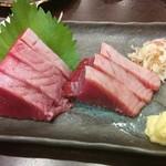 和酒菜 なかがわ - カツオのお刺身