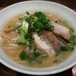 てんしとあくま - 料理写真:【とんこつらーめん】¥650