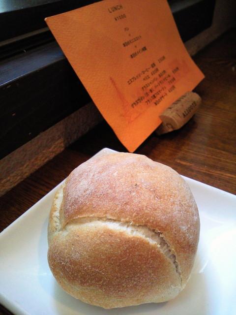コションローズ - パンは、立売堀のブーランジェリー・ラボ・フィセルさん♪