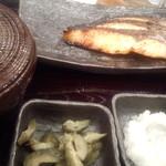 しんぱち食堂 - キングサーモン西京漬け定食@800