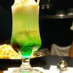 MERICAN BARBERSHOP FUK - メロンクリームソーダ650円。