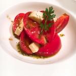トマトとモッツァレラのサラダ仕立て