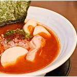 濃厚鶏麺 ゆきかげ - 朱+味玉 830+100円  鶏パイタンベースの旨辛仕上げ。