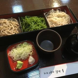 一茶庵 - 料理写真:三色そば