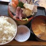タカマル鮮魚店  - タカマル定食1,080円