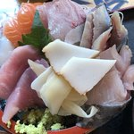 タカマル鮮魚店  - タカマル定食の刺身盛合せ