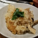 なかめのてっぺん - 松茸土鍋飯(をよそったもの)