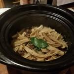 なかめのてっぺん - 松茸土鍋飯(1280円)