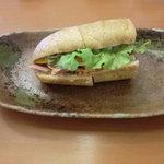 shunsaikafekanade - モーニングのサンドイッチ