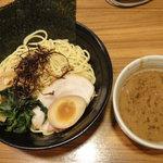 横浜らぁめん 桜花 - 魚介&濃厚豚骨醤油つけ麺
