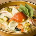 パークサイドカフェ - スモークトラウトサーモンとアボカドのホワイトドリア