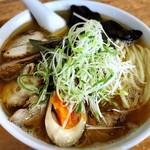 麺屋 陣丸 - 鶏塩チャーシュー麺