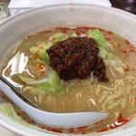 柳明館 - 料理写真:担々麺 850円。