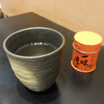 山形酒菜一 - 蕎麦茶、一味唐辛子