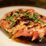 スペインバル エル クルセ - 米ナスとトマトのチーズ焼き@500円