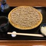 手打ちそば まえかわ - 料理写真:ざるそば700円 蕎麦粉の香りのするもの