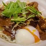 牛たん炭焼 利久  - 牛たん丼+半熟玉子