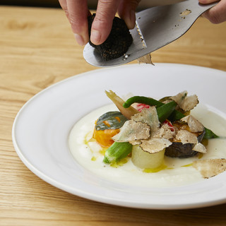 豊かな国産食材、調味料も種類豊富、一味違うイタリア料理