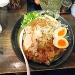 Menyatakeichi - ガッツリ鶏尽くし醤油ラーメン(18-09)