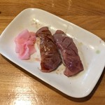 92391554 - 石垣牛寿司(タレ・塩)