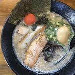 どんきさろく - 料理写真:九州とんこつ全部入りらあめん