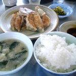 9240833 - ランチ餃子定食750円