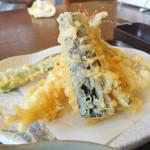 92404439 - 天ぷらはウリの海老を筆頭に5種