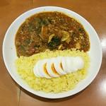 きんもち - チキンカレー並+野菜+ゆで卵 全景