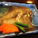 よしだ屋食堂 - 料理写真:カレイの煮付け定食