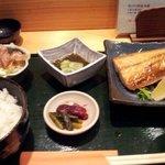 9241357 - 本日のお膳、トロアジ850円