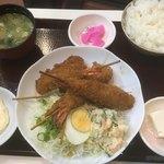 串かつのまるたけ - ジャンボエビフライ定食1180円