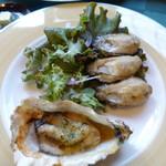 牡蠣亭 - 殻付牡蠣のオーブン焼き&牡蠣のこがし焼き