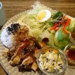cafe やすらぎ屋 - 料理写真:ワンプレートランチ(890円)