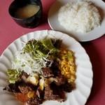 ステーキレストラン がんねん - 料理写真:ガーリックランチ 842円