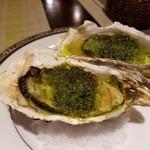 ブラッスリー ジゴ - 殻付き牡蠣の香草パン粉焼き