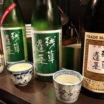92426161 - 右から残草蓬莱「手造り純米」、「緑ラベル」、「辛口純米 緑ラベル」