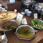 ほほえみの宿 滝の湯 - 料理写真:朝食バイキング