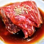 焼肉BARさんたま - 和牛赤身&玉子