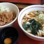 山田うどん - 料理写真:スタミナパンチ丼セット