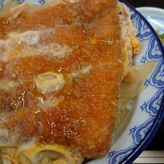ささや - 料理写真:『カツ丼(味噌汁付)』(税込み840円)