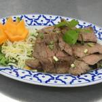 タイランド - ヌアヤーン(タイ風うす切り焼肉)