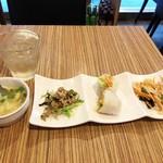 Shimiran - ランチセットの前菜とスープ