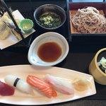 くぼ田 - 料理写真:お寿司と天ぷらとそばのセット