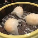 香港食館 - 蒸しエビ餃子 450円